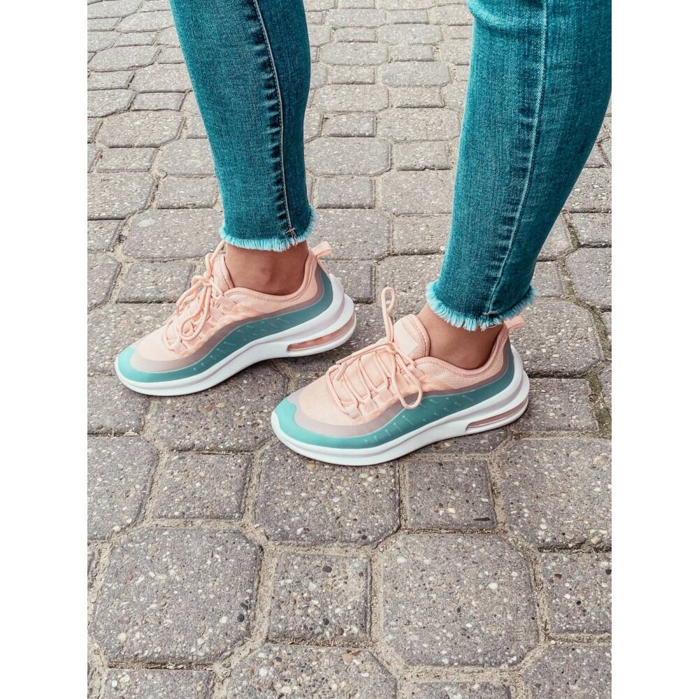 Max Pink Sneaker