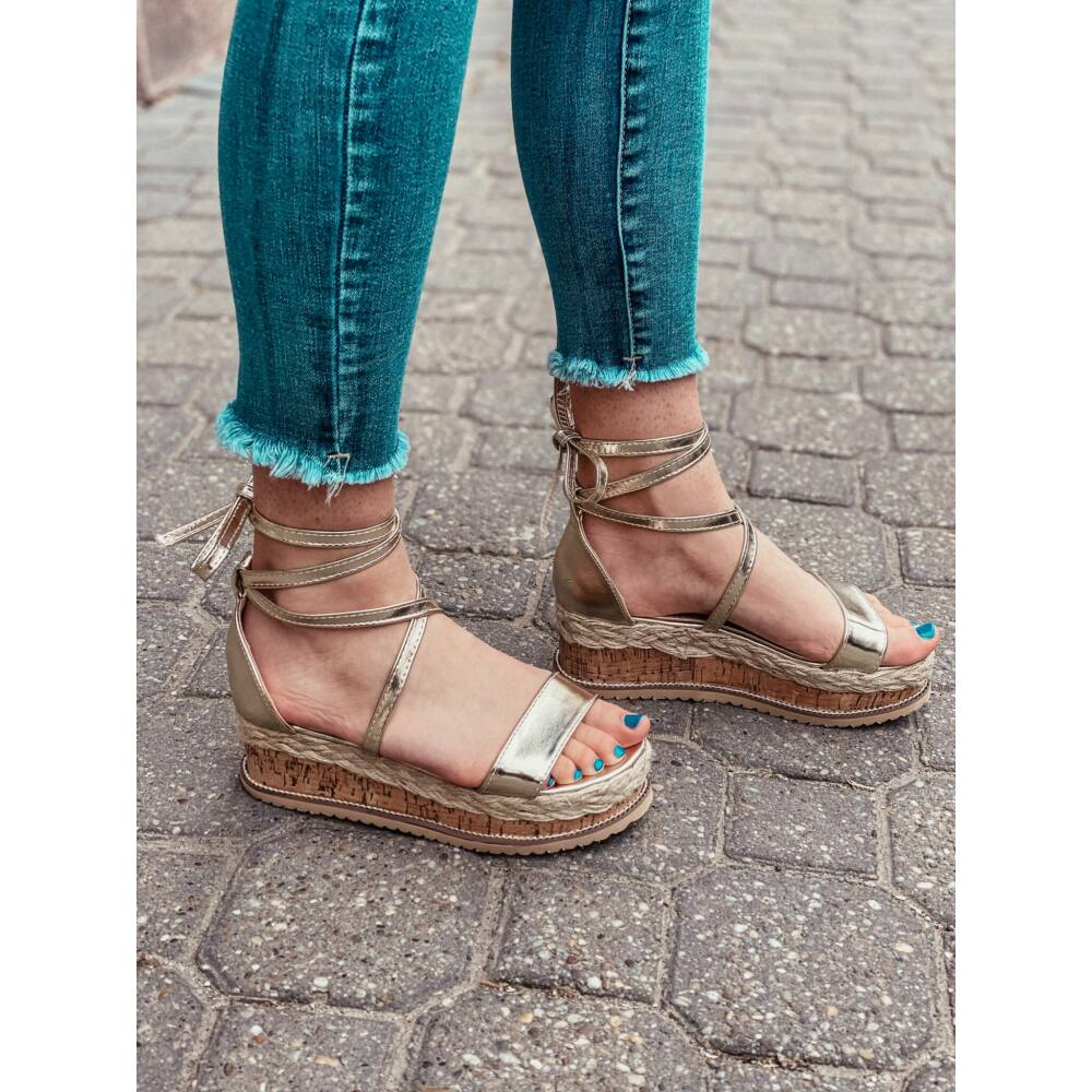 Aria sandále