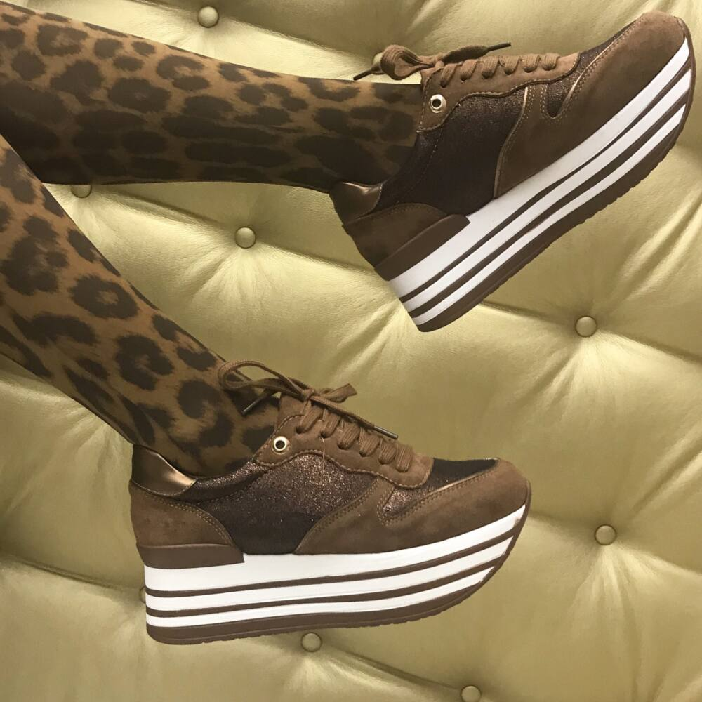 Carla sneakers