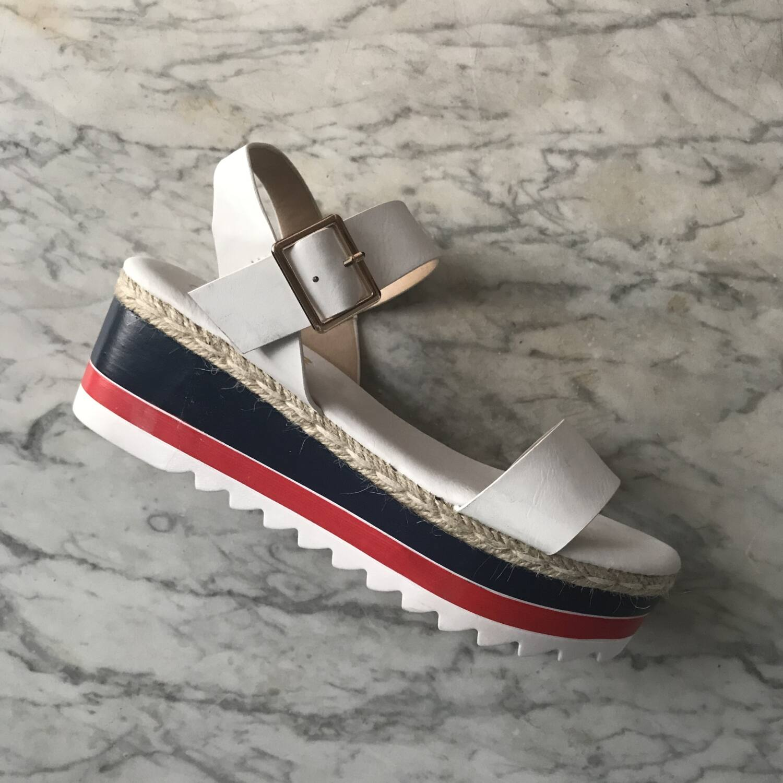b17a91672f Stella sandále - NA PLATFORME