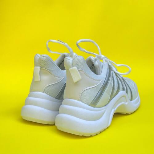 Light sneaker